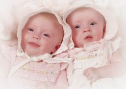 291ca-cute-twins-babies-wallpapers-3