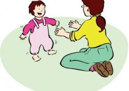Изправяне, прохождане и ранно посочване при децата